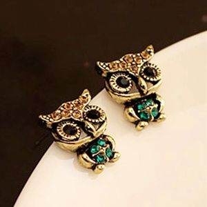 Jewelry - Adorable OWL Post Earrings New Gold Green Black